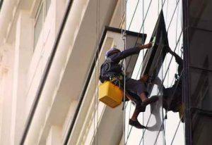 پیچ کردن نما در تهران با طناب