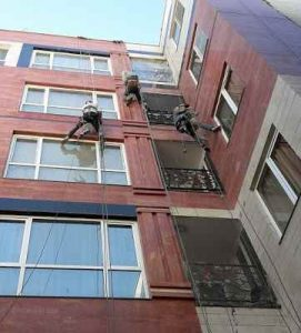 پیچ و رولپلاک نمای ساختمان در تهران